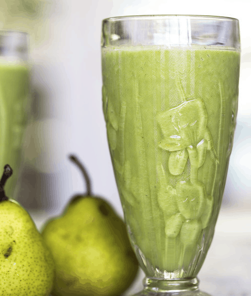 detoxifying green pear smoothie