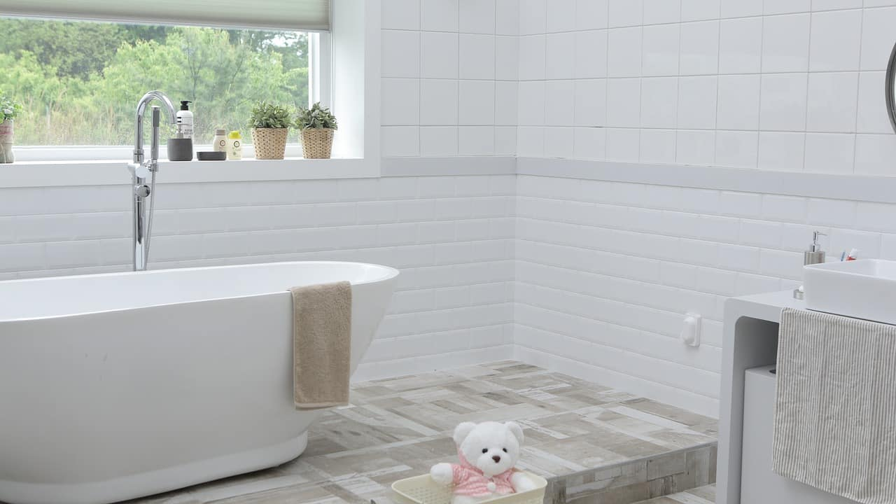a clean and toxin free bathroom