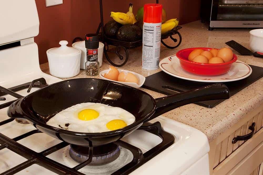 Cooking in Xtrema ceramic pan